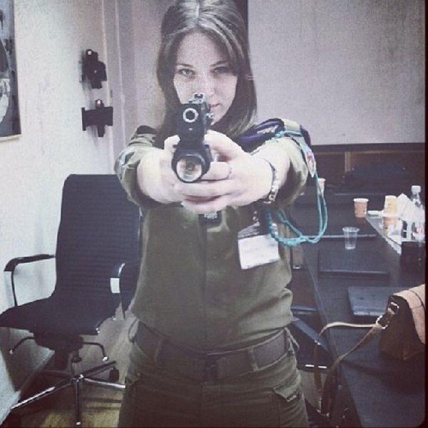 イスラエル軍の女性兵士1