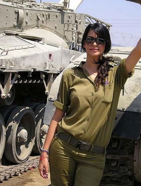 イスラエル軍の女性兵士102