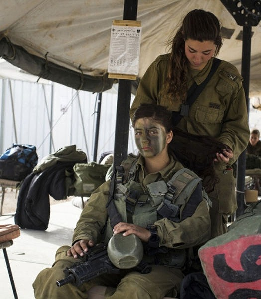 イスラエル軍の女性兵士106