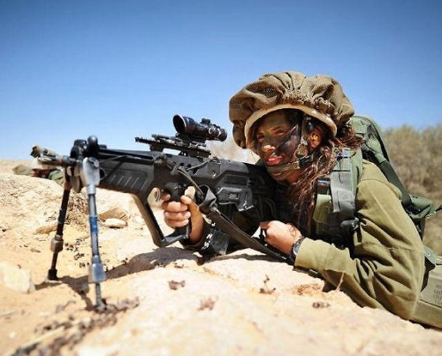 イスラエル軍の女性兵士111