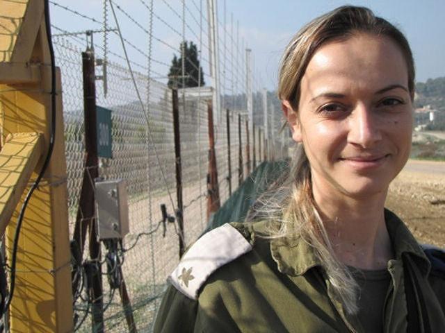 イスラエル軍の女性兵士112