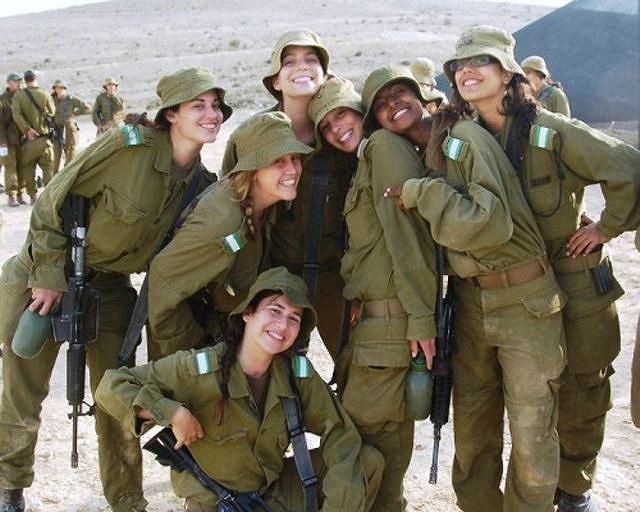 イスラエル軍の女性兵士124
