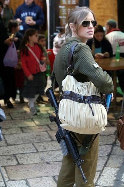 イスラエル軍の女性兵士132