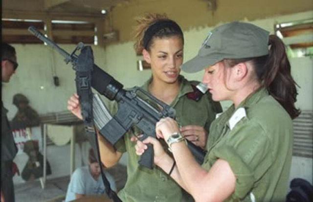 イスラエル軍の女性兵士140