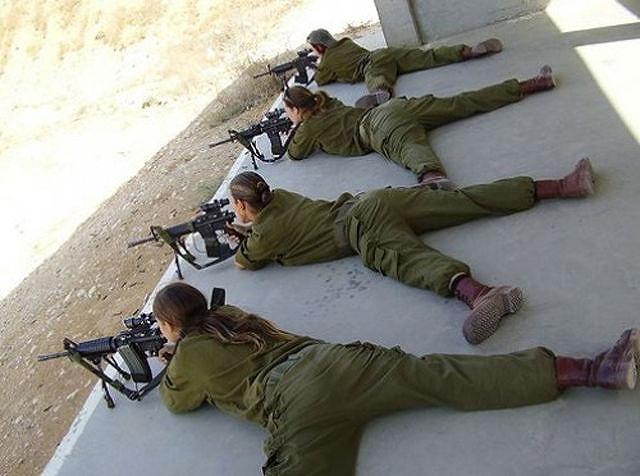 イスラエル軍の女性兵士144