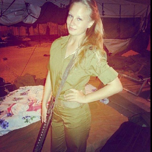 イスラエル軍の女性兵士45