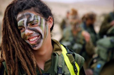 イスラエル軍の女性兵士50