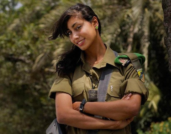 イスラエル軍の女性兵士76