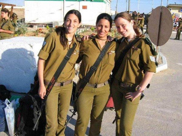 イスラエル軍の女性兵士82