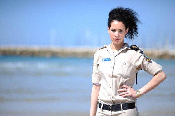 イスラエル軍の女性兵士90
