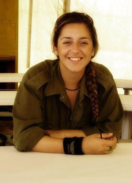 イスラエル軍の女性兵士97