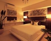 ベッドの照明64