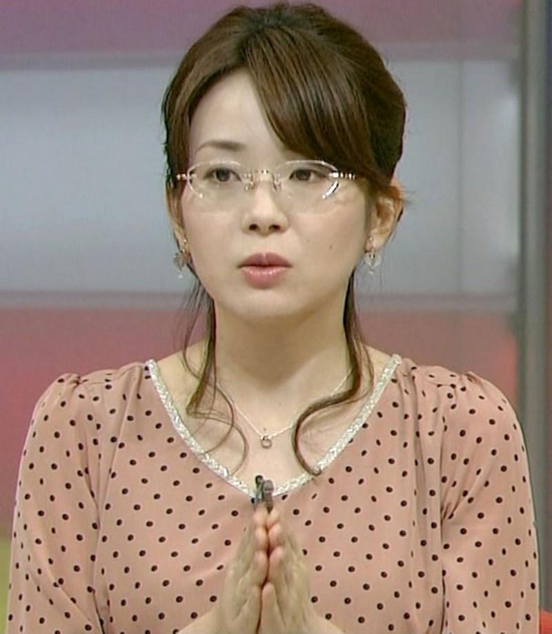 眼鏡をかけた美人女子アナウンサー画像10