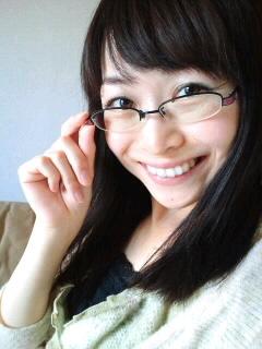 眼鏡をかけた美人女子アナウンサー画像17
