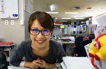 眼鏡をかけた美人女子アナウンサー画像24