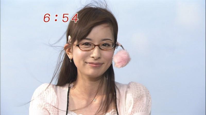 眼鏡をかけた美人女子アナウンサー画像37