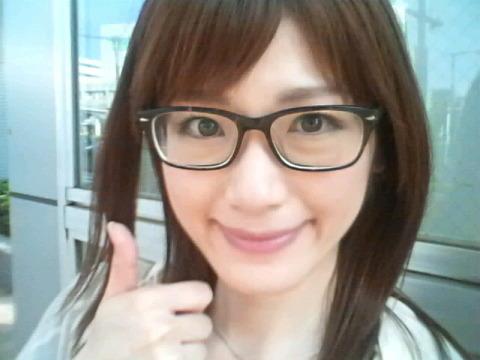 眼鏡をかけた美人女子アナウンサー画像4