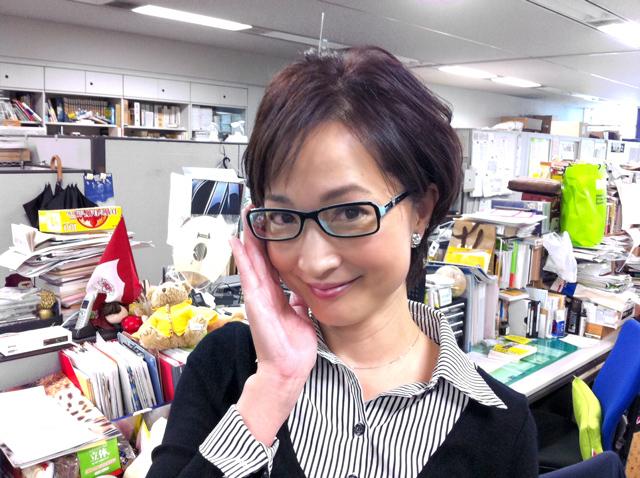 眼鏡をかけた美人女子アナウンサー画像41