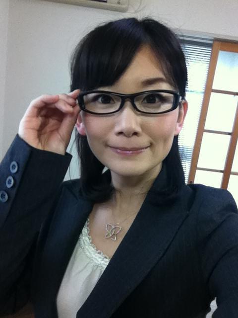 眼鏡をかけた美人女子アナウンサー画像43