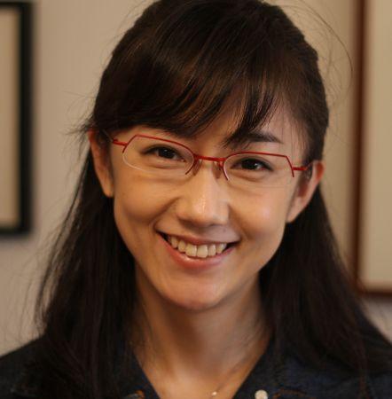 眼鏡をかけた美人女子アナウンサー画像48
