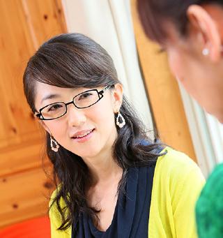 眼鏡をかけた美人女子アナウンサー画像5