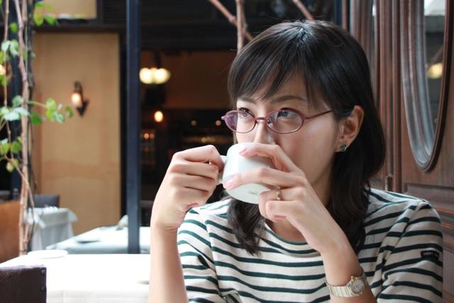 眼鏡をかけた美人女子アナウンサー画像60