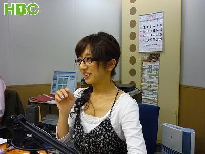 眼鏡をかけた美人女子アナウンサー画像65