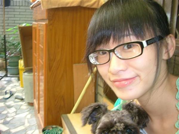 眼鏡をかけた美人女子アナウンサー画像7
