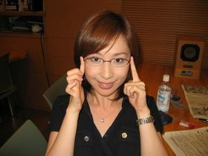 眼鏡をかけた美人女子アナウンサー画像76