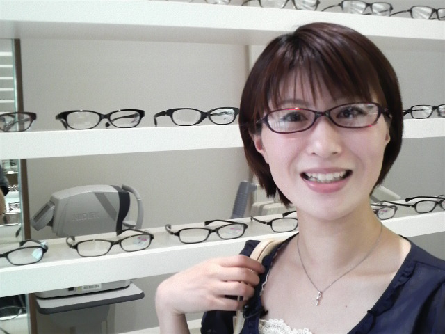 眼鏡をかけた美人女子アナウンサー画像78