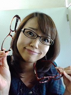 眼鏡をかけた美人女子アナウンサー画像83