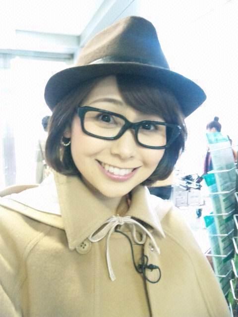 眼鏡をかけた美人女子アナウンサー画像84