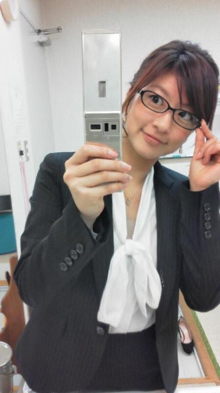 眼鏡をかけた美人女子アナウンサー画像85