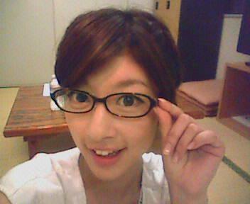 眼鏡をかけた美人女子アナウンサー画像87