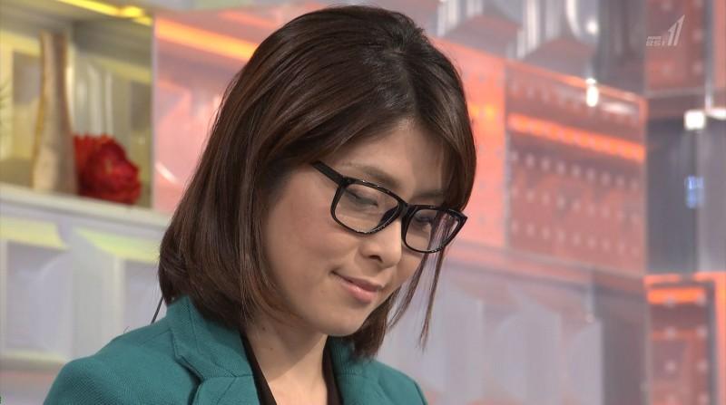 眼鏡をかけた美人女子アナウンサー画像89