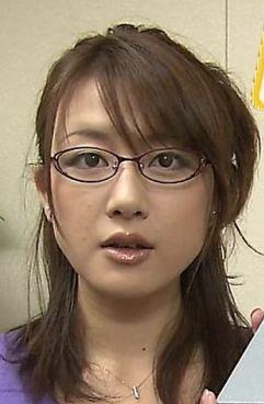 眼鏡をかけた美人女子アナウンサー画像9