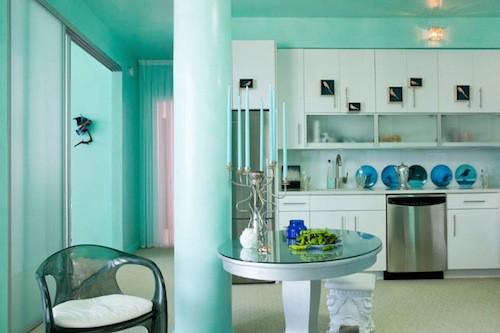 青い部屋68