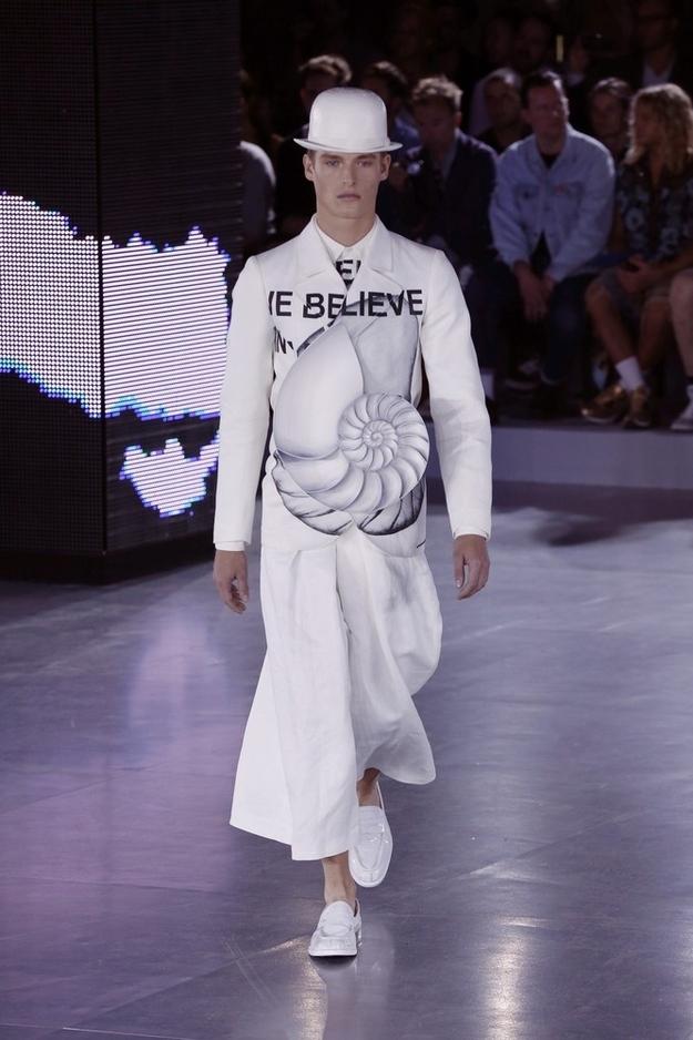 ファッションショー110