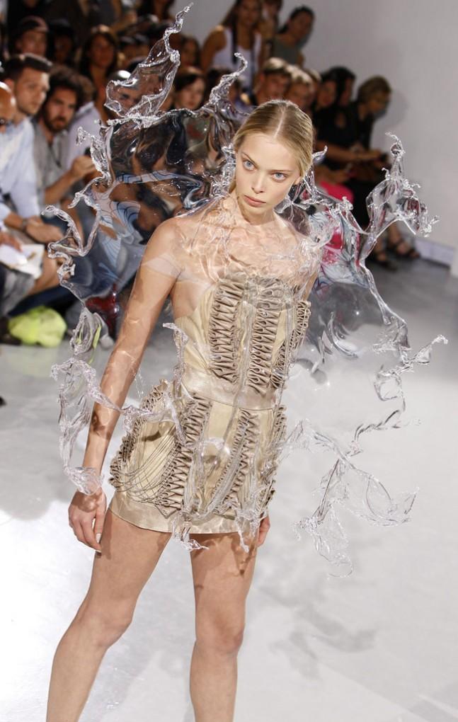ファッションショー132