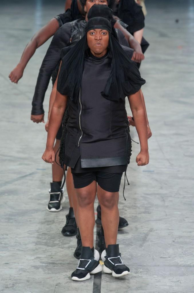 ファッションショー155