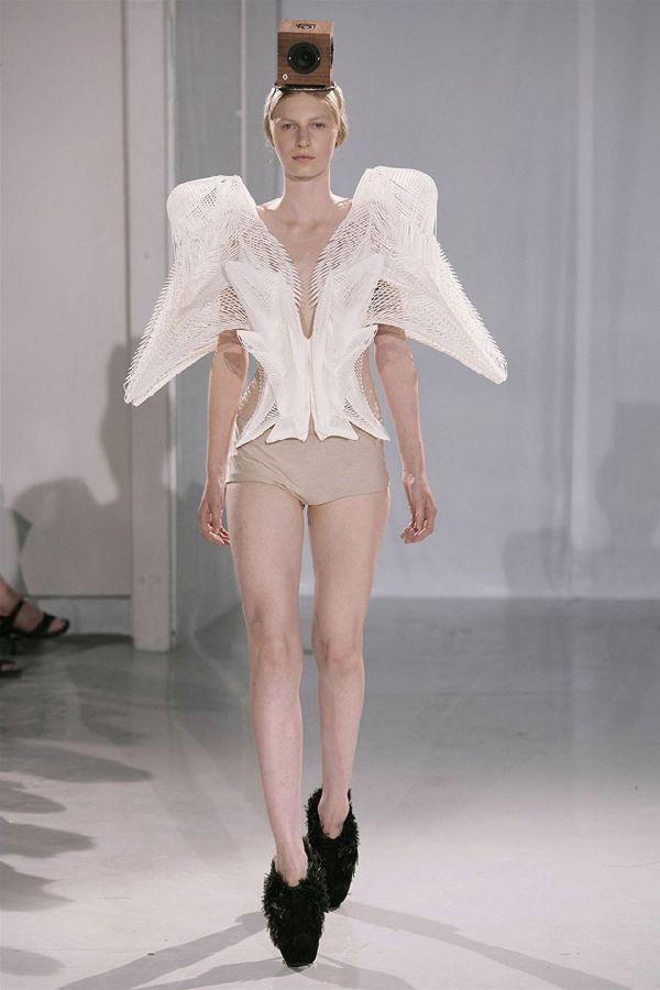 ファッションショー66