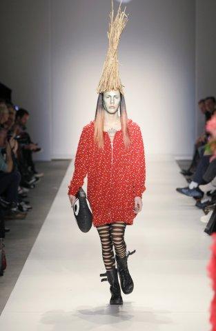 ファッションショー84