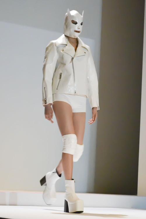 ファッションショー153