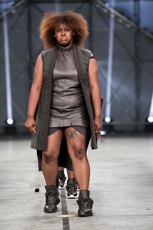 ファッションショー159