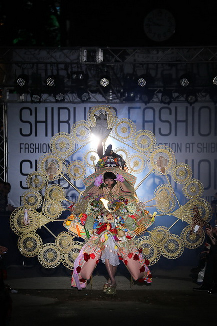 ファッションショー52
