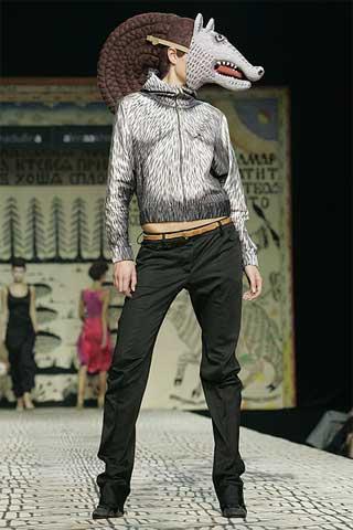 ファッションショー76