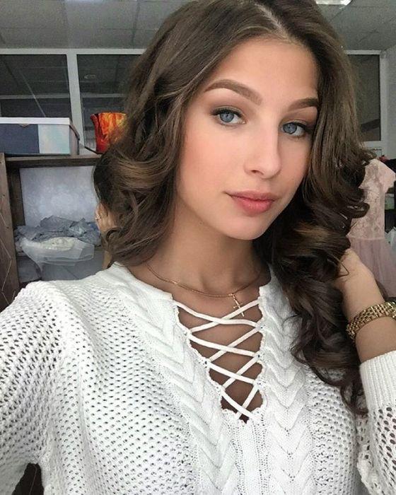 ロシアで最も美しい女性3